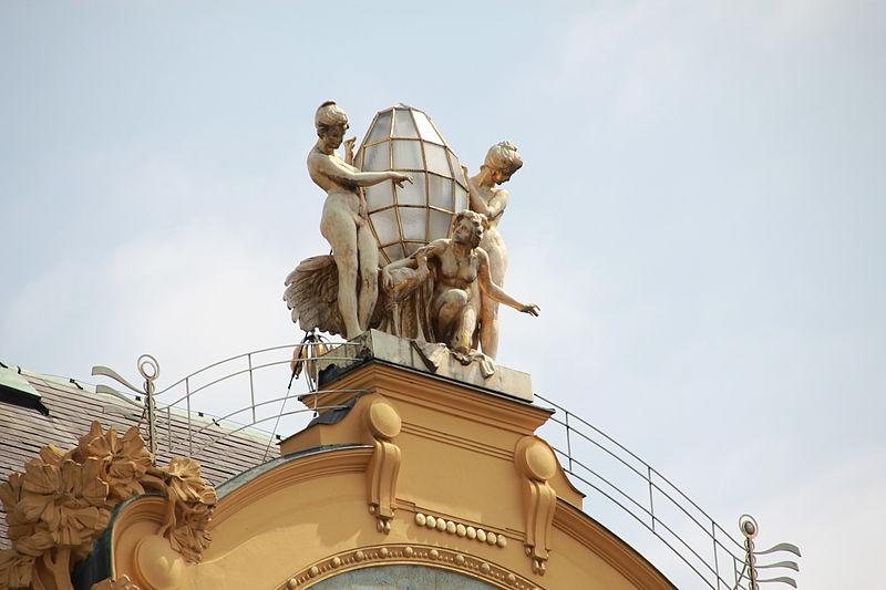 File:Prague Praha 2014 Holmstad top of hotel europa.jpg
