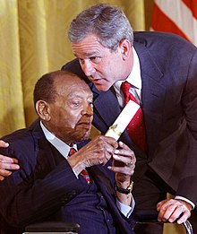 President George W. Bush honors music legend Lionel Hampton.jpg