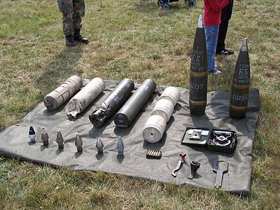 Modern artillery ammunition. Caliber 155 mm as used by the PzH 2000 PzH2000Munition.jpg