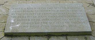 Quaker Gardens, Islington - Modern commemorative memorial stone in the centre of the gardens