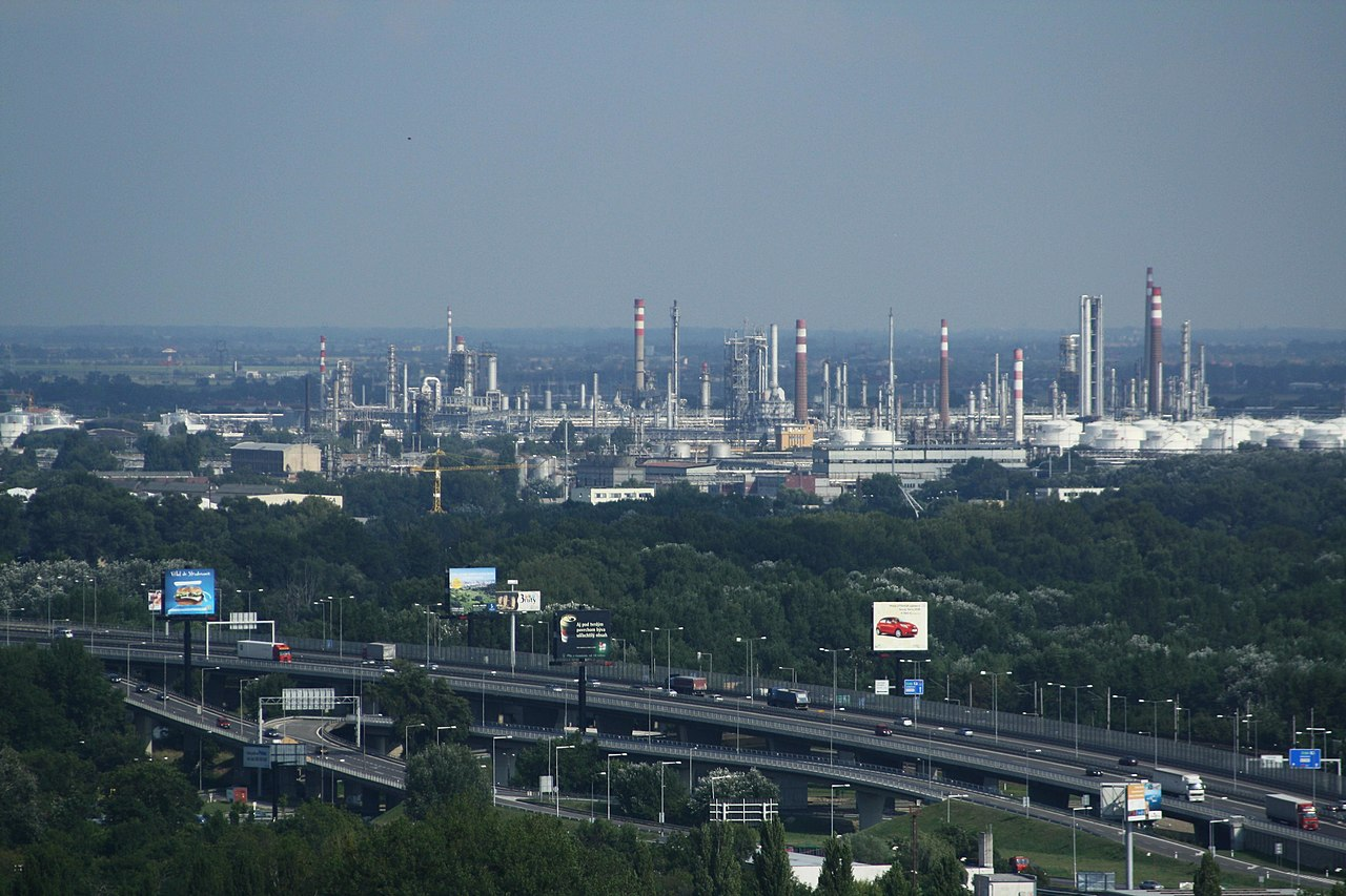 Oil refinery - Wikiwand