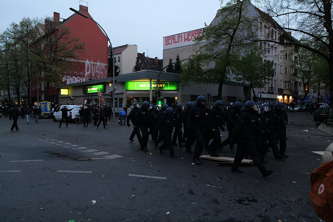Revolutionary 1st may demonstration Berlin 2021 151.jpg