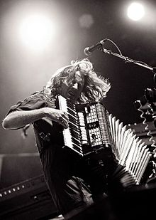 List of popular music acts that incorporate the accordion - Wikipedia