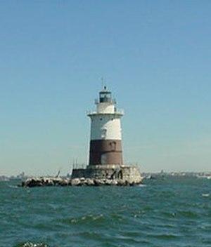 Robbins Reef Light