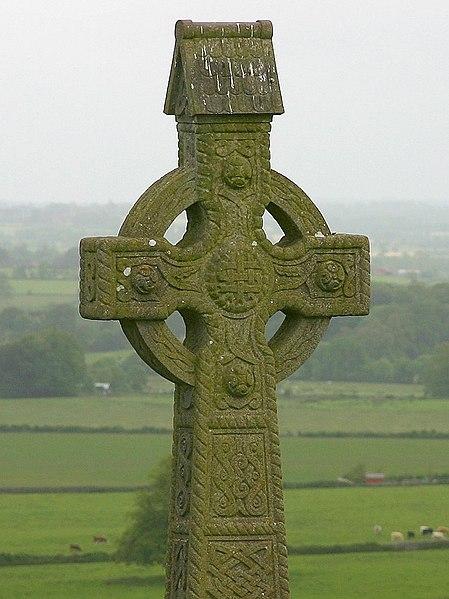 Fichier:Rock of Cashel-cross.jpg