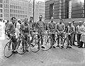 Ronde van Nederland , renners bij start, Zwitserland, Bestanddeelnr 907-0902.jpg