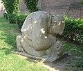 Roosendaal kunstwerk knielende boer.jpg