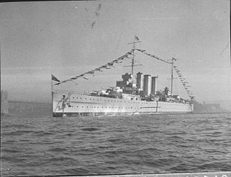 HMAS Canberra (D33) - Canberra entering Sydney Harbour on 6 August 1936. The cruiser is carrying Admiral Sir Murray Anderson, who was to be invested as Governor of New South Wales.
