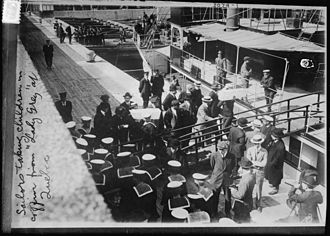 RMS Empress of Ireland - Unloading the coffins of the children from Lady Gray