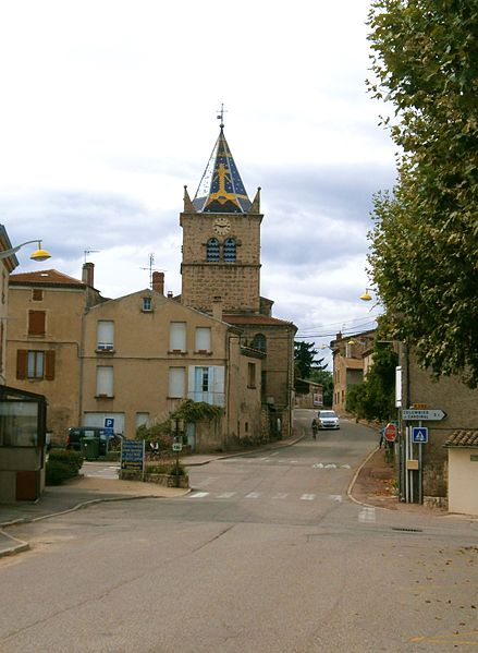 File:Saint-Cyr (Ardèche), le village.JPG
