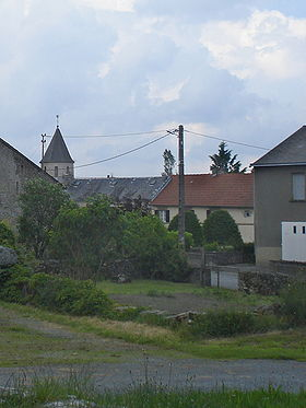 Saint-Goussaud (Creuse Fr), vue du village.JPG