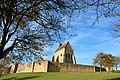 Saint-Julien Chapelle castrale et remparts du chateau de Vauguillain.jpg