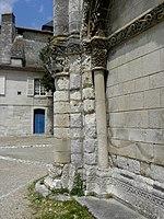 Saintes (17) Abbatiale Sainte-Marie-aux-Dames Façade occidentale 05.JPG