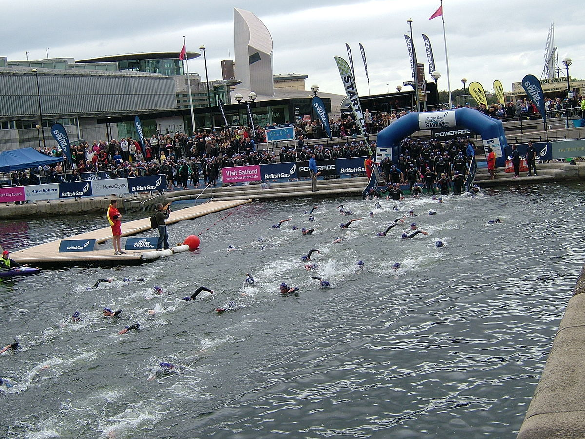 Salford Quays- Swim Start 5274.JPG