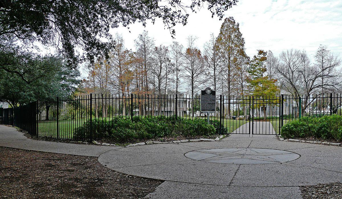 Sam Houston Park - Wikipedia