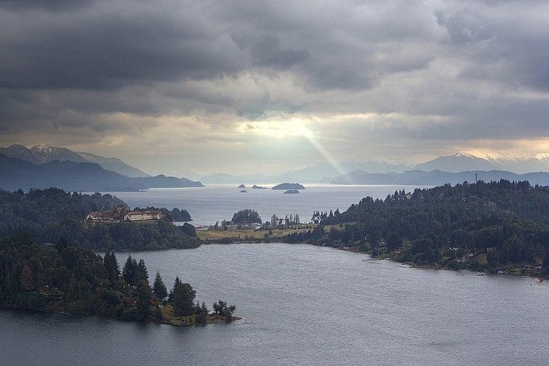 File:San Carlos de Bariloche 2009-11-27.jpg
