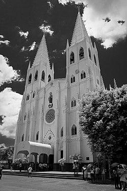 San Sebastian Church Manila Philippines.jpg