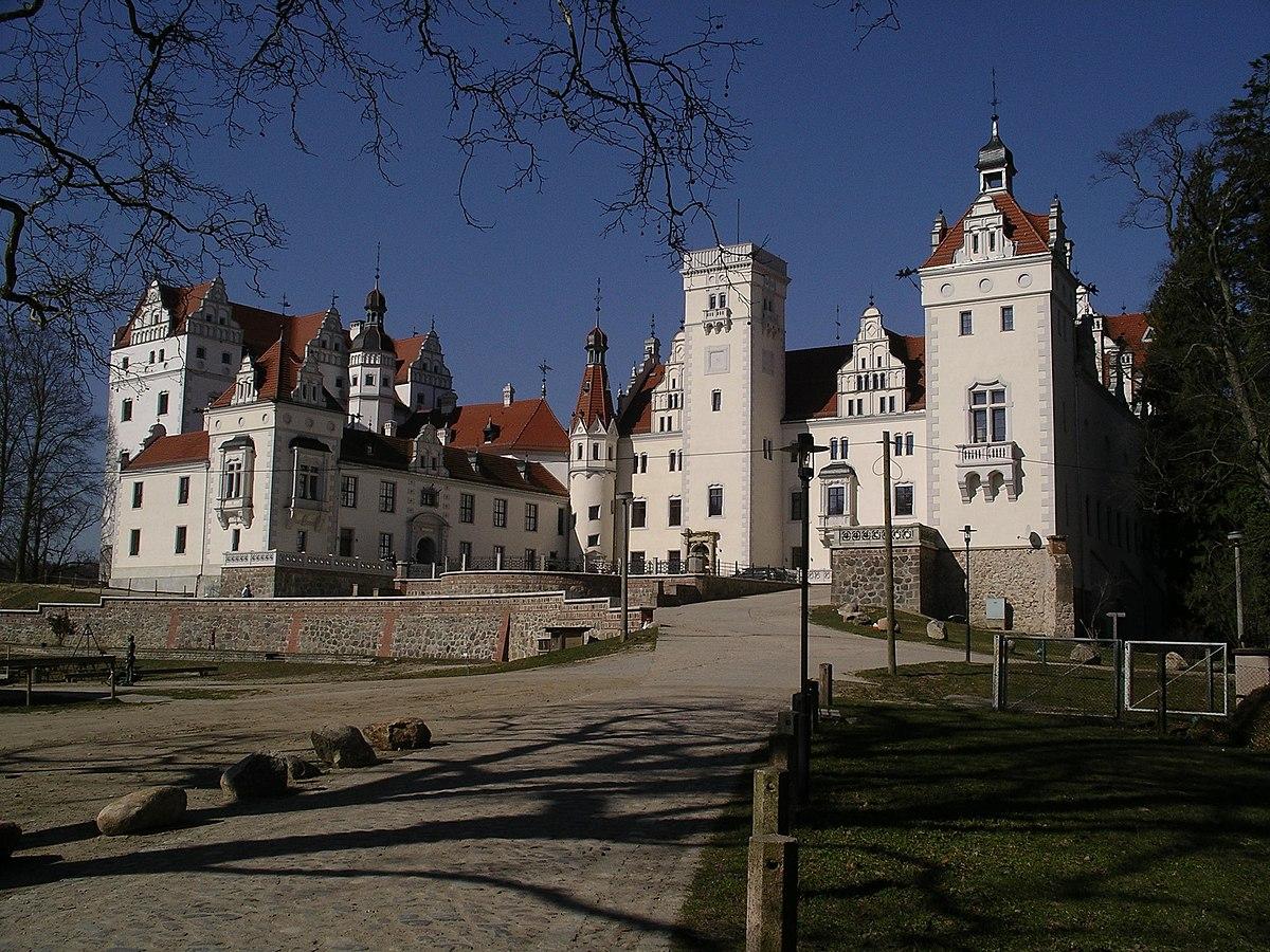 Schloss Boitzenburg von vorne.jpg