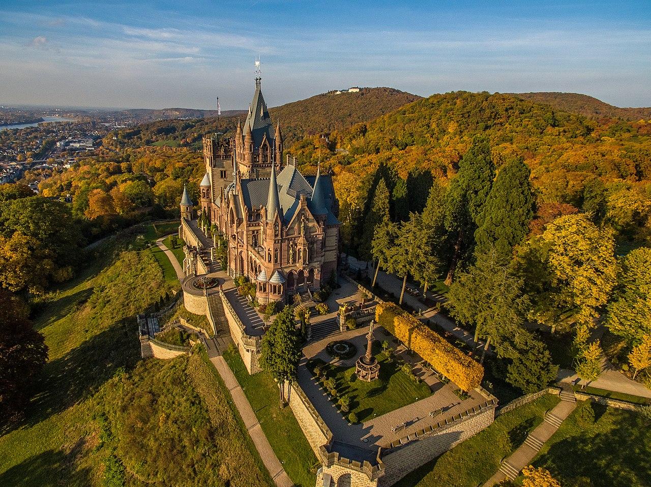 Буран, Замок Дракона и как я в Бонне сакуру искала .