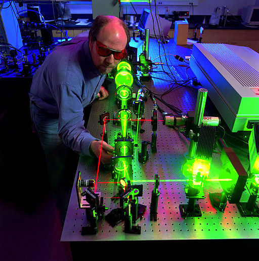 Scientist measures the optical limiting performance of a nonlinear material - ALC