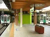 仙台空港アクセス線が発着するJR東日本仙台駅3・4番線ホーム