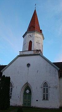 Smiltenes luterāņu baznīca-09.2015.JPG