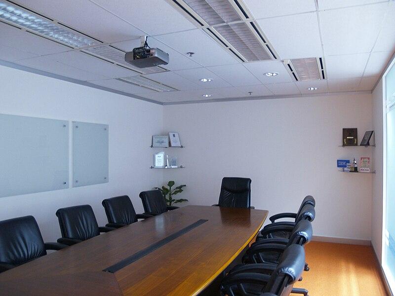 Stół konferencyjny do sali konferencyjnej w firmie