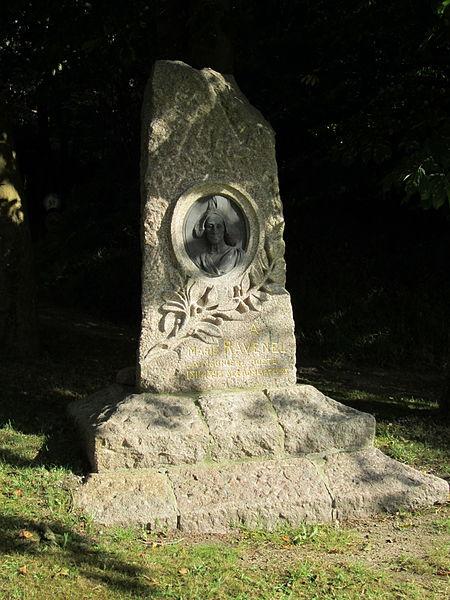 Stèle de Marie Ravenel, Fermanville