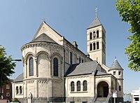 St. Blasius in Duesseldorf-Hamm, von Suedosten.jpg