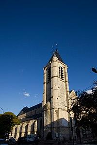 St Cyr - ste Julitte-clocher.jpg