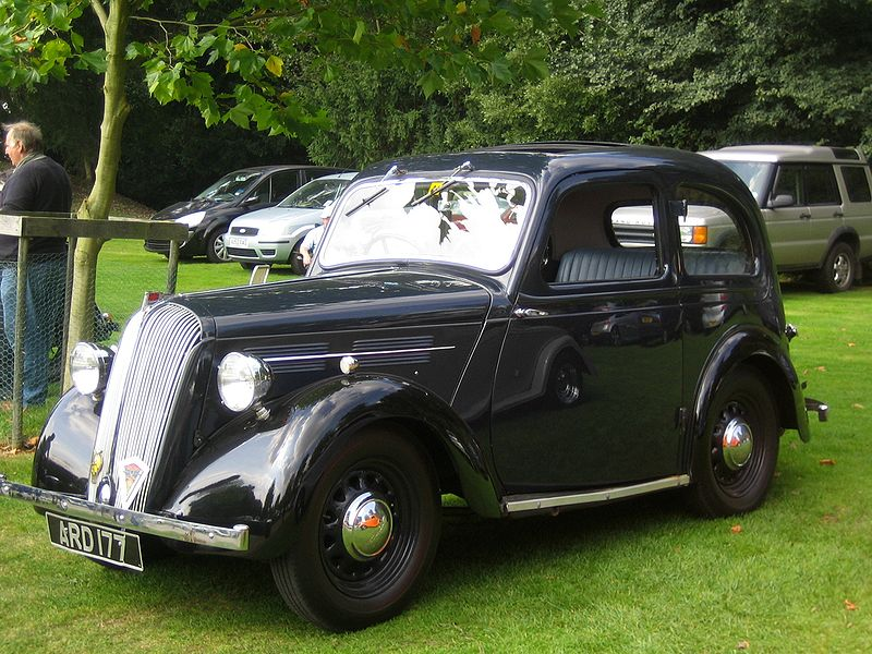 File:Standard Nine Castle Hedingham 1056cc reg 10 june 1938 06.JPG