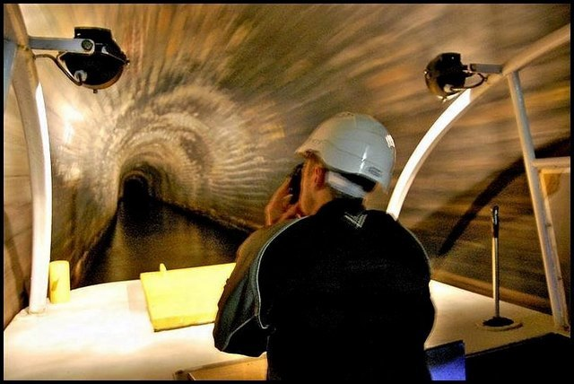 Standedge canal tunnel - geograph.org.uk - 1410632