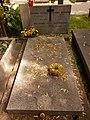 Stanisław Baczyński i Stefania Baczyńska grób.jpg