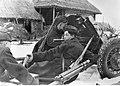 Stanowisko radzieckiego działa przeciwpancernego wz 38 kal. 45 mm (2-1979).jpg