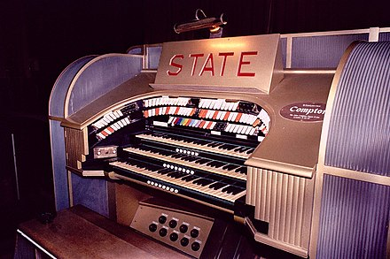 Theatre organ in State Cinema, Grays. (Compton Organ) State organ close.jpg
