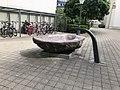 Steinbrunnen bei Kirche St. Peter und Paul 01.jpg