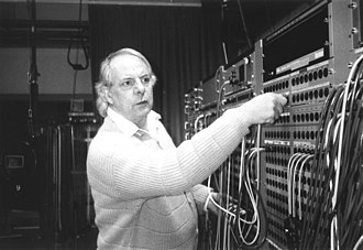 Karlheinz Stockhausen - Karlheinz Stockhausen in the Electronic Music Studio of the WDR, October 1994
