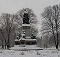 Stockholm. Linné i Humlegården (2).JPG