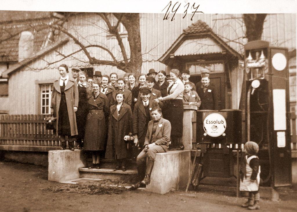 """Tankstelle in Woffleben - 1937 - Gasthaus """"Schenke"""""""