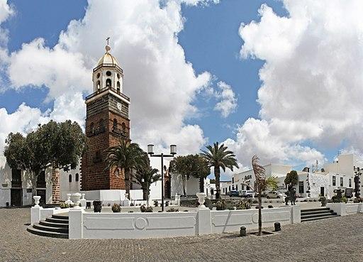 Teguise - Plaza - Iglesia