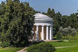 Temple of Friendship in Pavlovsk Park 02.jpg