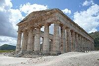 Temple of Segesta, Sicily.jpg