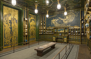 The Peacock Room (2)