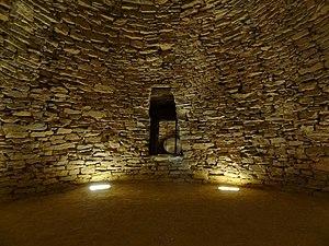 Antequera Dolmens Site - Image: Tholos de El Romeral 06