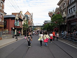 American Waterfront (Tokyo DisneySea) - The American Waterfront area resembles a street in New York City