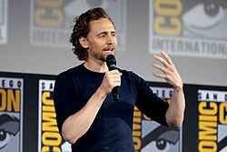 Tom Hiddleston - Wikipedia