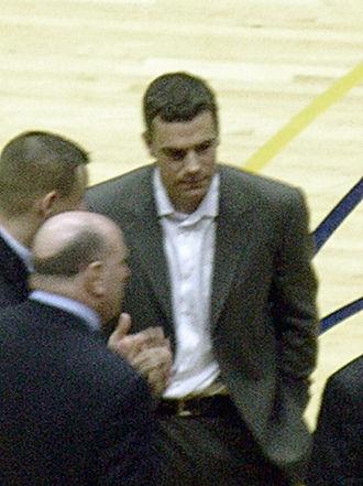 Jim Phelan Award - Tony Bennett won the award while at Washington State.