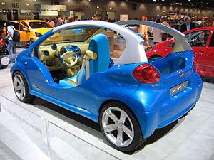 Toyota Aygo Concept - Flickr - robad0b.jpg