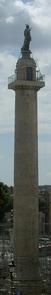 Trajanus kolonn, fotograf alers, augusti 2004.png