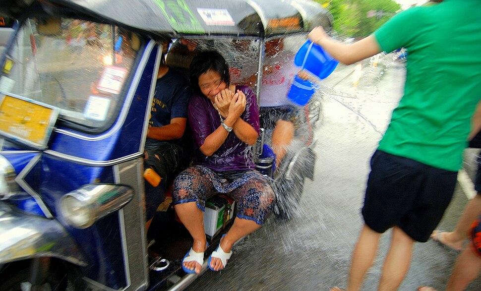 Tuktuk chiangmai songkran 05b